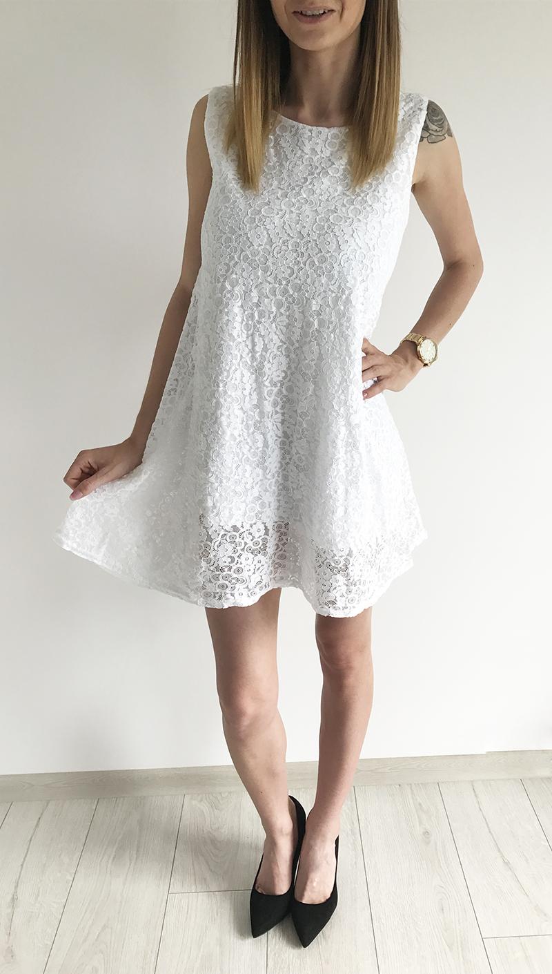 35d6e04e07 MB212  Biała koronkowa sukienka    Deme.pl