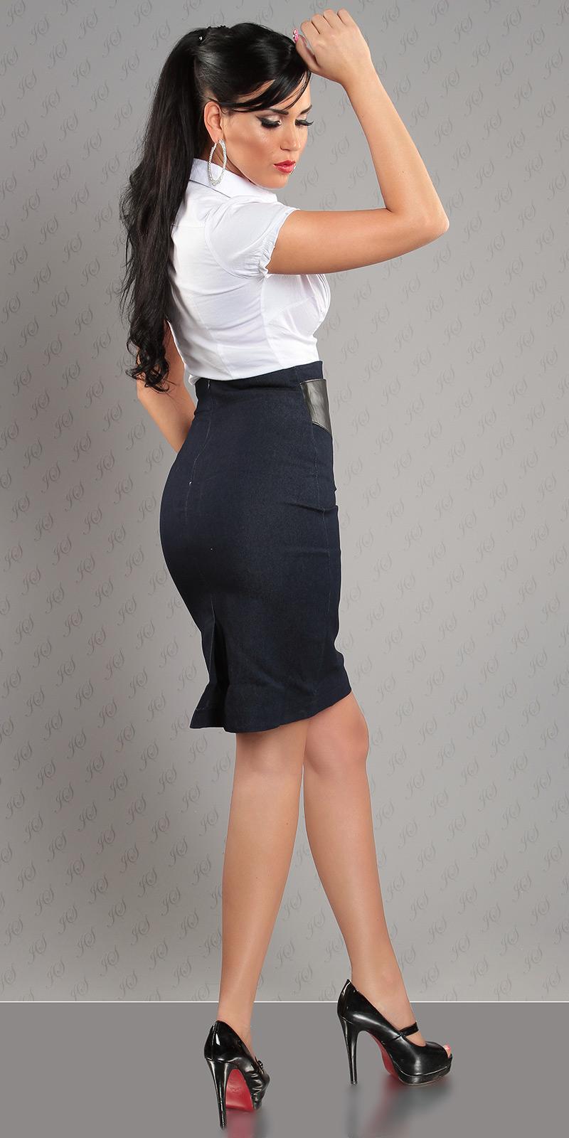 P30] Ołówkowa czarna spódnica z baskinką :: Deme.pl